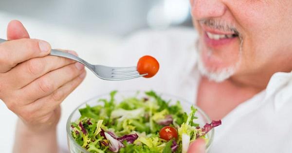 10 lời khuyên ăn uống khỏe mạnh cho người trên 65 tuổi