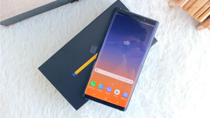 Samsung Note 9 bản Hàn và bản ở Mỹ: Lựa chọn nào mới thỏa mãn người dùng?